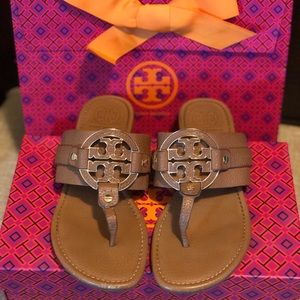 Tory Burch Amanda Flat Thong- Tumbled leather